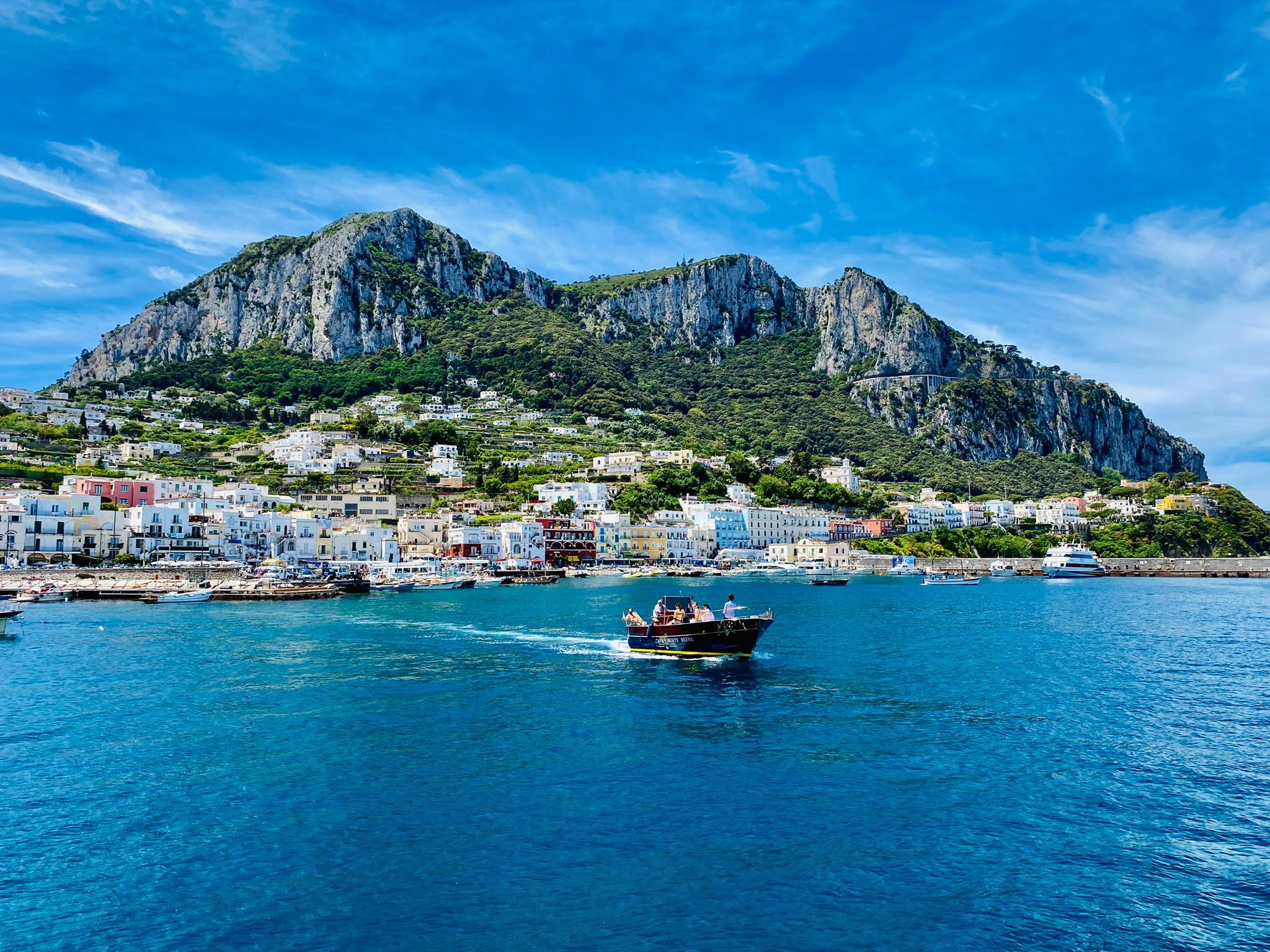 Einfahrt in Capri