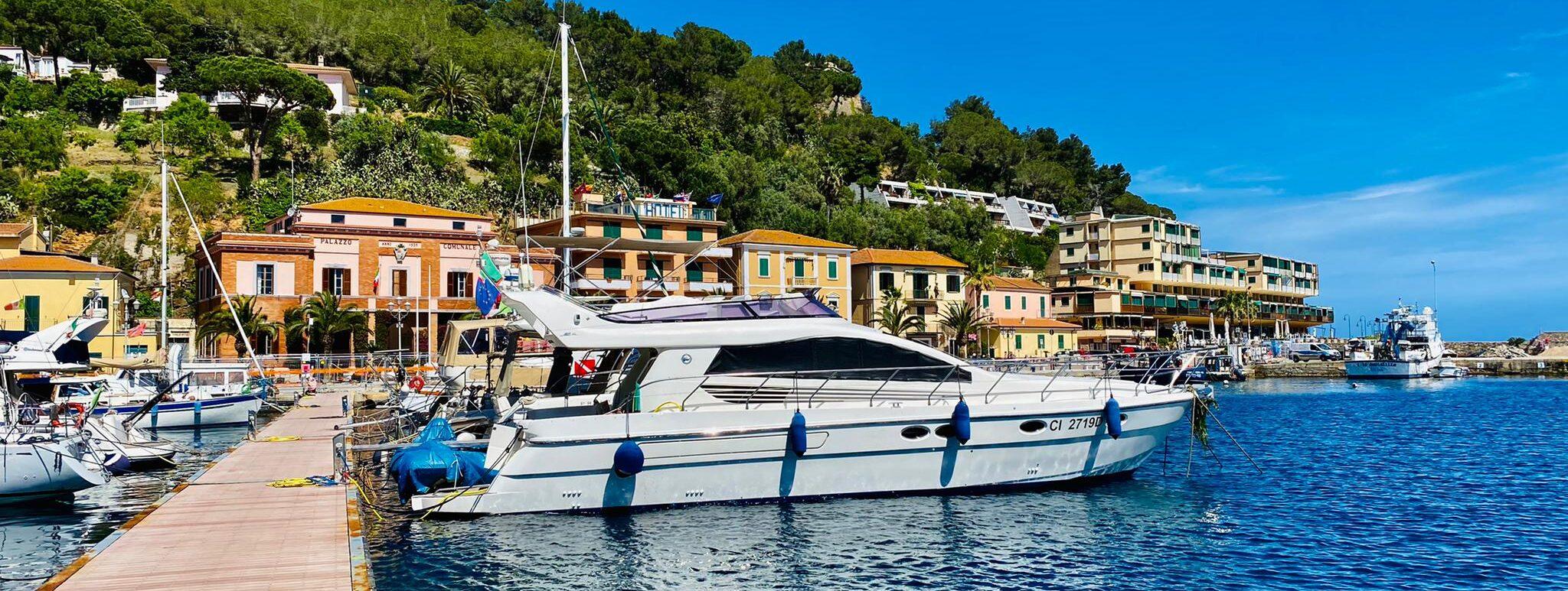 Anlegen am Hafen von Porto Azzurro auf Elba