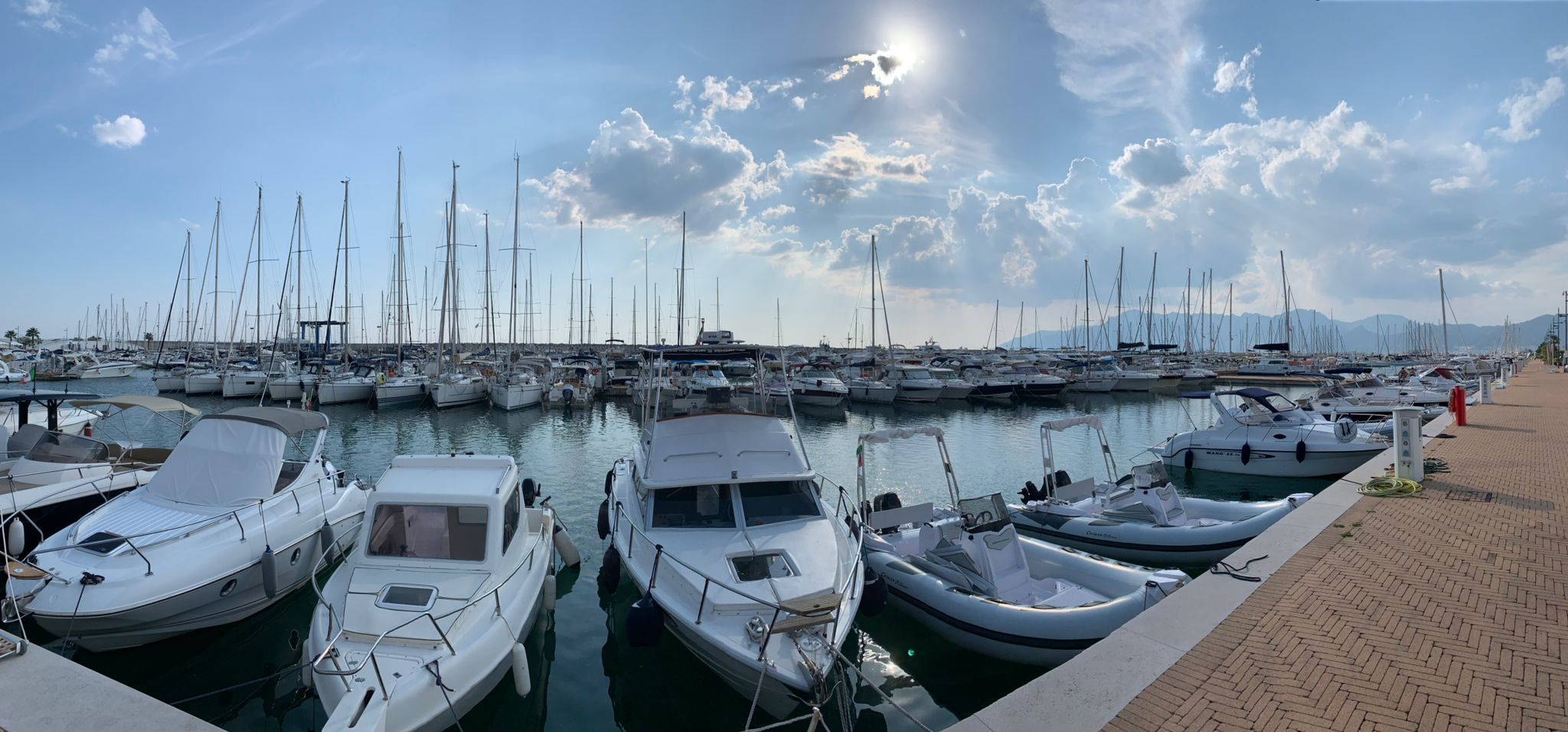 Heimathafen für Meilentörns Marina Darechi in Salerno